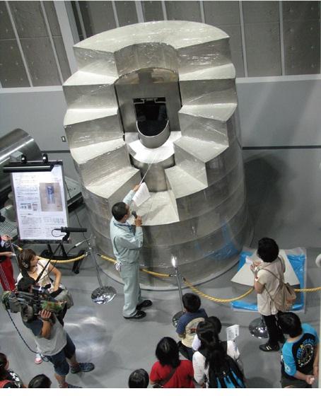 実規模・実物の人工バリアシステムの展示